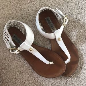 Steve Madden White Thong Sandals Ankle Strap 7M